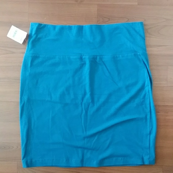 Charlotte Russe Dresses & Skirts - Charlotte russe turquoise bodycon mini skirt (NWT)